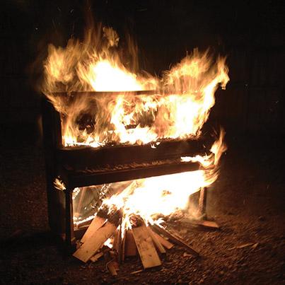 Flaming-piano-web
